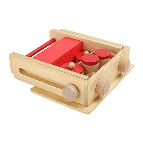 piccola cucina in legno chiusa